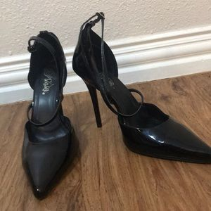 Size 11 Black Pleaser High Heels!
